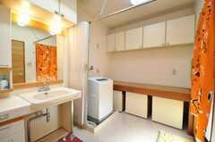 脱衣室の様子。(2009-12-22,共用部,LAUNDRY,2F)