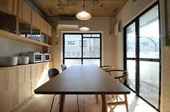 デザイナーズチェアはオリジナルデザインの椅子に変更予定だそう。(2012-03-29,共用部,LIVINGROOM,2F)