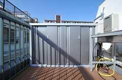 収納が設置されています。今後屋外キッチンも設置予定とのこと。(2012-03-29,共用部,OTHER,4F)