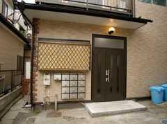 シェアハウスの正面玄関(2007-07-07,周辺環境,ENTRANCE,1F)