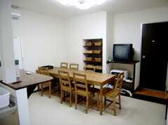 シェアハウスのラウンジの様子。(2007-07-07,共用部,LIVINGROOM,1F)
