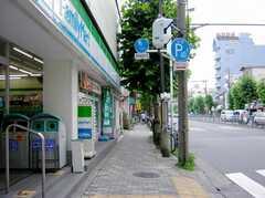 都営新宿線大島駅からシェアハウスへ向かう道の様子。(2007-07-07,共用部,ENVIRONMENT,1F)