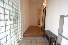 正面玄関から見た内部の様子。(2014-04-16,周辺環境,ENTRANCE,6F)