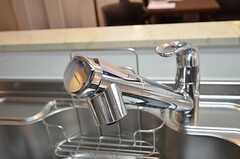 浄水機能の付いたシャワー水栓です。(2014-04-16,共用部,KITCHEN,6F)