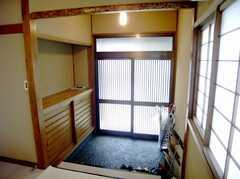 シェアハウスの正面玄関内部の様子。(2007-08-01,周辺環境,ENTRANCE,1F)