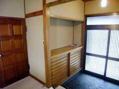 シェアハウスの正面玄関内部の様子2。(2007-08-01,周辺環境,ENTRANCE,1F)