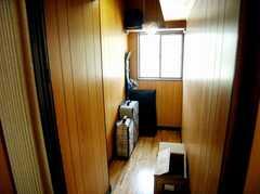 共用納戸も有り。シーズンモノの荷物などはここへ。(2007-08-01,共用部,OTHER,2F)