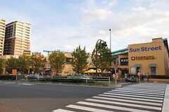 駅前にはTSUTAYAもあります。(2010-11-30,共用部,ENVIRONMENT,1F)