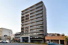 シェアハウスの外観。11階建てのマンションタイプです。(2019-03-26,共用部,OUTLOOK,1F)