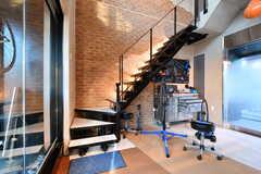 階段の先はメンテナンス・トレーニングスペースです。(2019-03-26,共用部,OTHER,1F)
