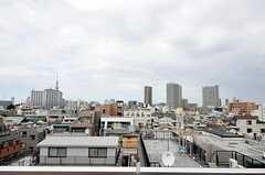 ベランダからの景色。スカイツリーが見えます。(607号室)(2012-08-01,専有部,ROOM,6F)