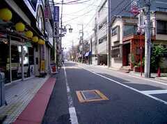 駅からシェアハウスへ向かう道の様子。(2005-08-03,共用部,ENVIRONMENT,)