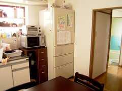 キッチンの様子。1(2005-08-03,共用部,KITCHEN,1F)