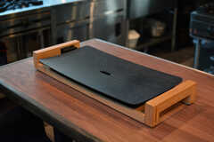 PRINCESSのホットプレートで鉄板焼も楽しめます。(2020-08-05,共用部,KITCHEN,1F)