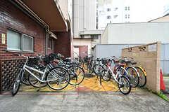 自転車置き場の様子。(2017-11-08,共用部,GARAGE,1F)