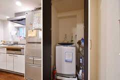 洗濯機は扉の中に収納されています。(2017-05-19,共用部,LAUNDRY,1F)