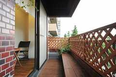 屋内と一体感のあるテラス。風も通って気持ち良いです。(2013-07-05,共用部,OTHER,4F)