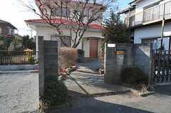 シェアハウスの門。(2011-01-20,周辺環境,ENTRANCE,1F)