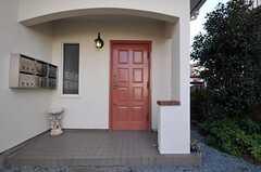 シェアハウスの正面玄関。(2011-01-20,周辺環境,ENTRANCE,1F)