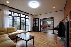 シェアハウスのリビングの様子3。(2011-01-20,共用部,LIVINGROOM,1F)