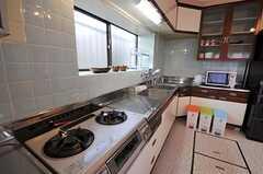 シェアハウスのキッチンの様子。(2011-01-20,共用部,KITCHEN,1F)