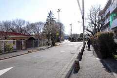 JR横浜線・成瀬駅からシェアハウスへ向かう道の様子。(2011-01-20,共用部,ENVIRONMENT,1F)