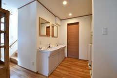 廊下に洗面台が設置されています。(2016-10-18,共用部,OTHER,1F)