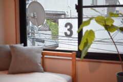 向かいの「3」が気になります。(304号室)(2016-11-02,専有部,ROOM,3F)