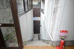 ラウンジへ続く階段の様子。(2013-07-22,共用部,OTHER,1F)