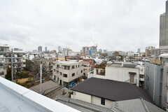 屋上から見た景色。周辺は背の高い建物がほとんどありません。(2019-03-07,共用部,OTHER,5F)