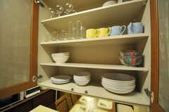 食器棚の様子。(2013-10-15,共用部,KITCHEN,1F)