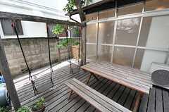 庭の様子2。ブランコがあります。(2014-05-12,共用部,OTHER,1F)