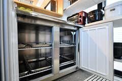 冷蔵庫は業務用です。(2017-05-08,共用部,KITCHEN,7F)