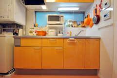 シェアハウスのキッチンの様子。(2010-07-16,共用部,KITCHEN,1F)
