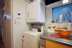 洗濯機、乾燥機の様子。(2010-07-16,共用部,LAUNDRY,1F)