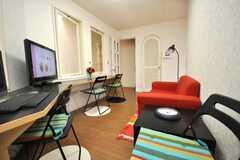 シェアハウスのラウンジの様子2。(2009-06-11,共用部,LIVINGROOM,2F)