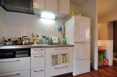 シェアハウスのキッチンの様子。(2011-03-31,共用部,KITCHEN,1F)