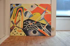 事業者さんが一目惚れして買ったという絵画。勢いがあります。(101号室)(2015-05-29,専有部,ROOM,1F)