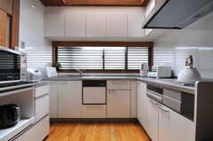 キッチンの様子2。(2014-02-06,共用部,KITCHEN,1F)