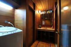 洗面、ランドリー、トイレ、バスルームが集約されています。(2014-02-06,共用部,OTHER,1F)