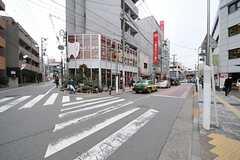 東急東横線・都立大学駅からシェアハウスへ向かう道の様子。(2014-02-06,共用部,ENVIRONMENT,1F)