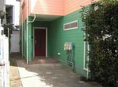 シェアハウスの正面玄関。(2007-07-17,周辺環境,ENTRANCE,1F)