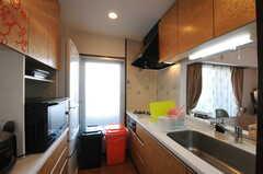 キッチンの様子。(2012-11-21,共用部,KITCHEN,6F)