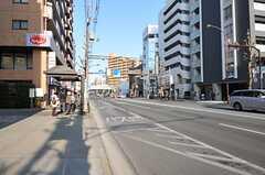 東急東横線・都立大学駅からシェアハウスへ向かう道の様子。(2013-02-28,共用部,ENVIRONMENT,1F)