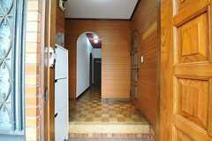 正面玄関から見た内部の様子。(2012-04-03,周辺環境,ENTRANCE,1F)