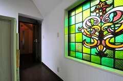 廊下の様子。突き当りが水まわりです。(2013-07-03,共用部,OTHER,3F)