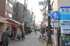 東急東横線・学芸大学駅からシェアハウスへ向かう道の様子。(2011-03-20,共用部,ENVIRONMENT,1F)