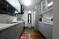 キッチンの様子。(2013-06-03,共用部,KITCHEN,1F)