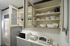 食器棚の様子。(2013-06-03,共用部,KITCHEN,1F)