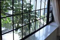 格子窓が素敵。(107号室)(2013-06-03,専有部,ROOM,1F)